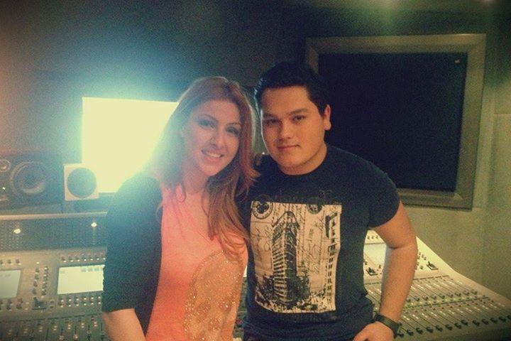 Η Έλενα Παπαρίζου στις πρόβες του The Voice