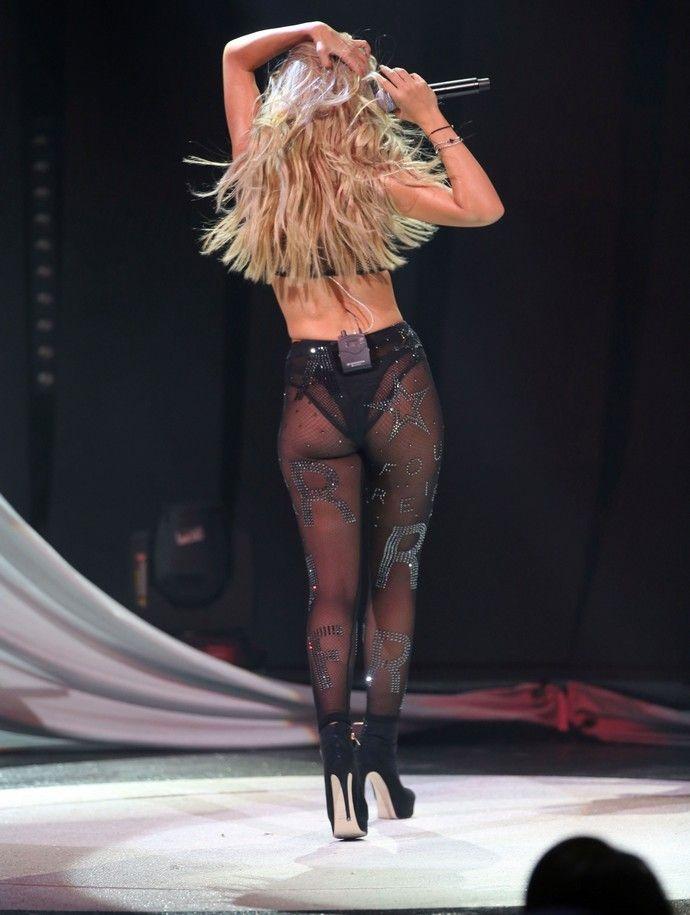 """Πιο sexy """"πεθαίνεις"""" η Ελένη Φουρέιρα στο Κέντρο Αθηνών! (Photos)"""