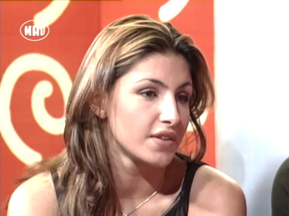 Flashback! Η πρώτη τηλεοπτική συνέντευξη ever της Έλενας Παπαρίζου, όταν ήταν 18 χρονών!