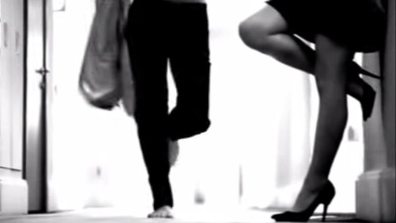 Τα 10 πιο sexy βίντεο κλιπ της Έλενας Παπαρίζου!