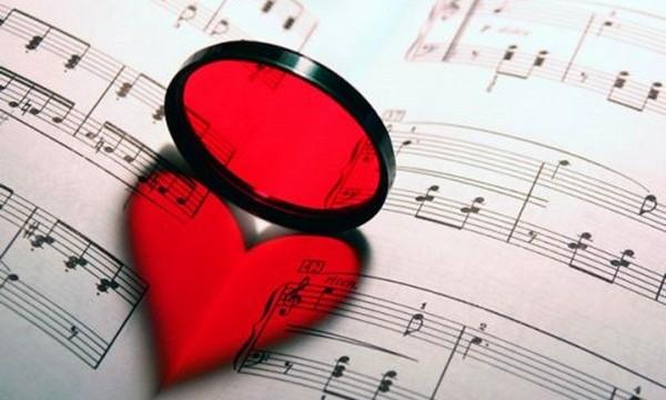 15+1 ερωτικά τραγούδια, για να τα αφιερώσετε στον αγαπημένο/η σας την Ημέρα του Αγίου Βαλεντίνου!