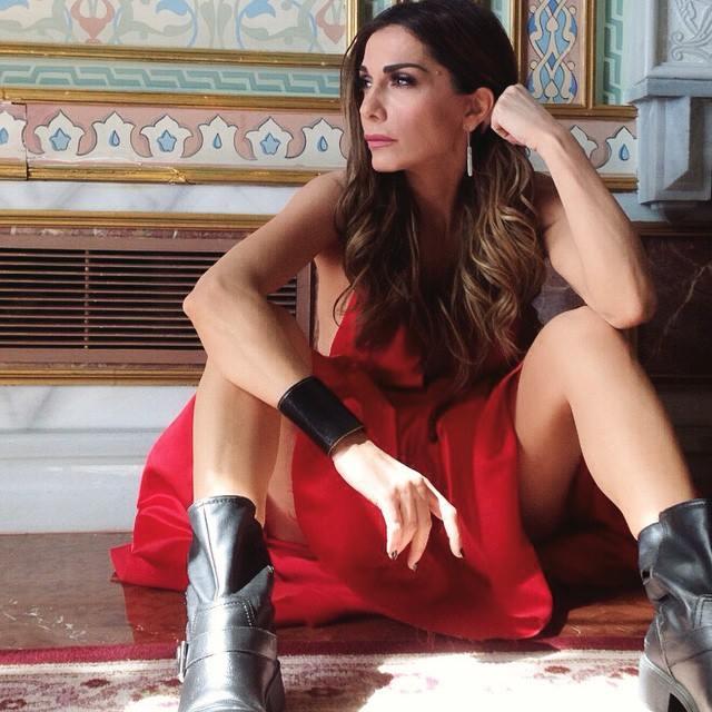 """Δέσποινα Βανδή: Δείτε φωτογραφίες από τα γυρίσματα του νέου της κλιπ """"Αν σου λείπω"""""""