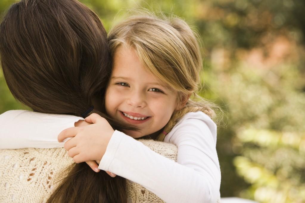 10 Μαϊου - Ημέρα της Μητέρας | 10+1 τραγούδια για τη μαμά!