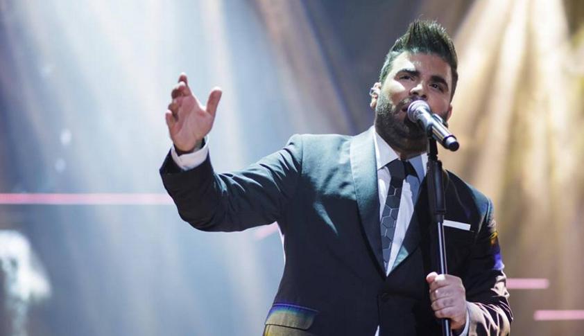 """Παντελής Παντελίδης: Δείτε τον να τραγουδάει live το νέο του τραγούδι """"Της καρδιάς μου το γραμμένο"""""""
