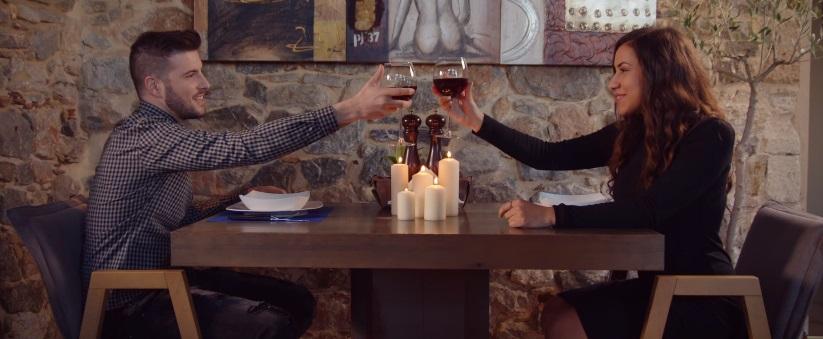 """""""Όταν Πονάω Το Γλεντάω"""" - Δείτε το νέο βίντεο κλιπ των Knock Out ft. Κωνσταντίνος Νάζης"""