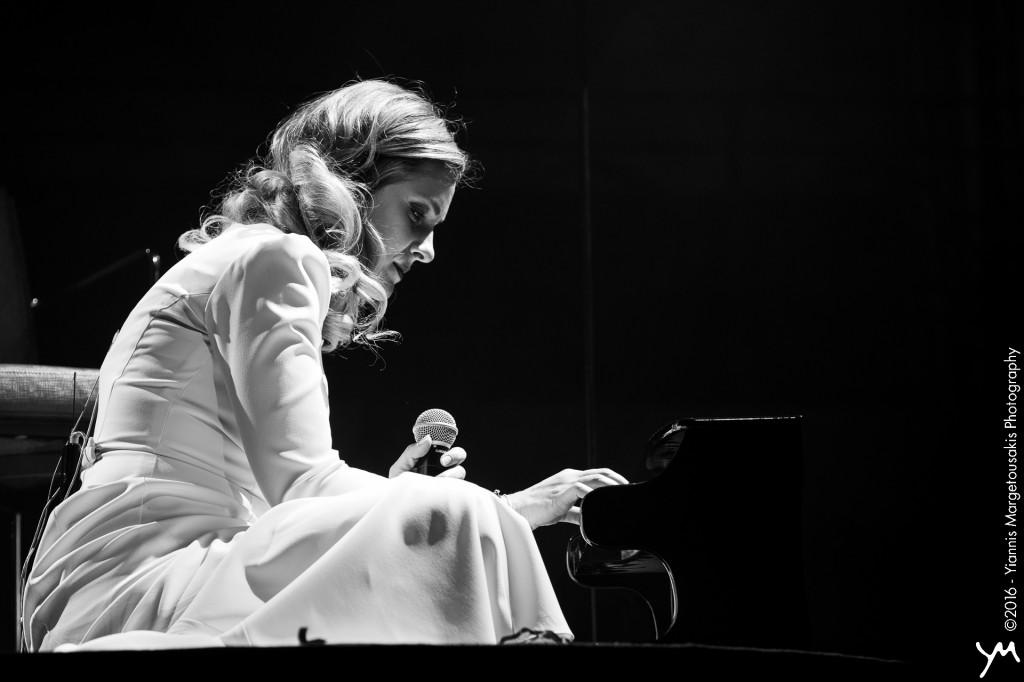 Νατάσσα Μποφίλιου - Βαβέλ