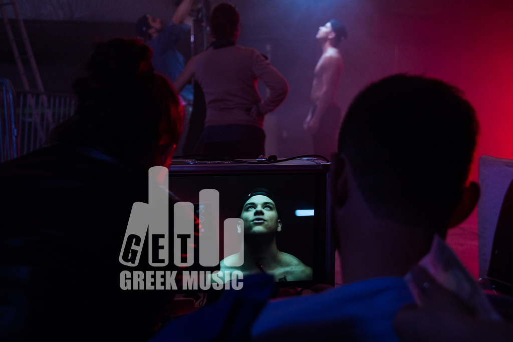 """Αποκλειστικό: Backstage στο νέο βίντεο κλιπ του MIKE με guest star """"έκπληξη"""""""