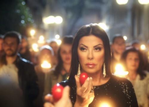 Κι όμως! Η Άντζελα Δημητρίου στη νέα διαφήμιση των Jumbo (βίντεο)