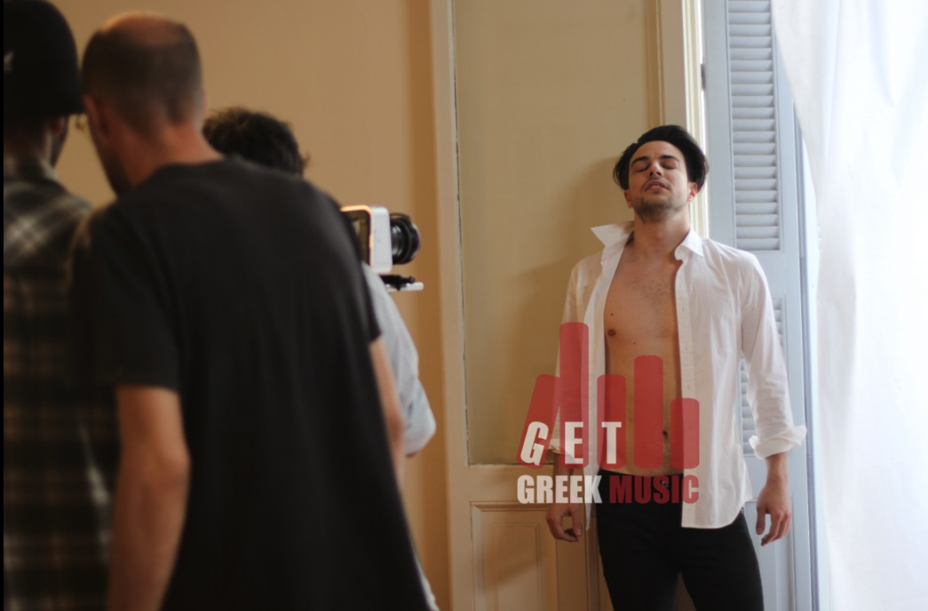 """""""Στάσου"""" - Το GGM αποκλειστικά στα γυρίσματα του πρώτου σόλο single του Άρη Μακρή"""