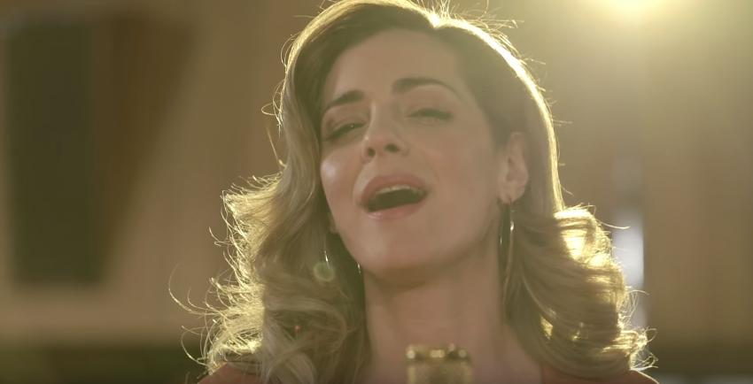 """""""Δάκρυ"""" - Δείτε το νέο βίντεο κλιπ της Νατάσσας Μποφίλιου"""