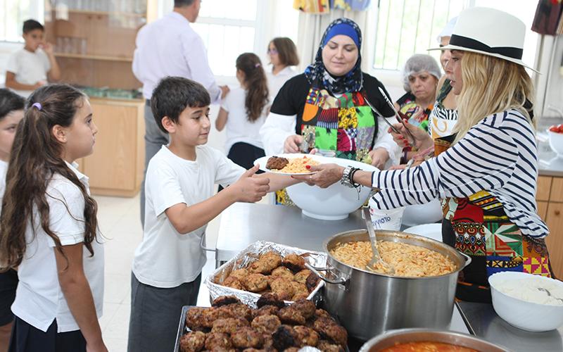 Άννα Βίσση: Δείτε την επίσκεψή της σε σχολείο της Κύπρου (φωτογραφίες & βίντεο)