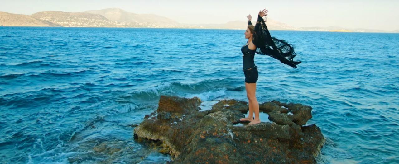 """Fiesta"" - Δείτε το νέο βίντεο κλιπ της Έλενας Παπαρίζου!"