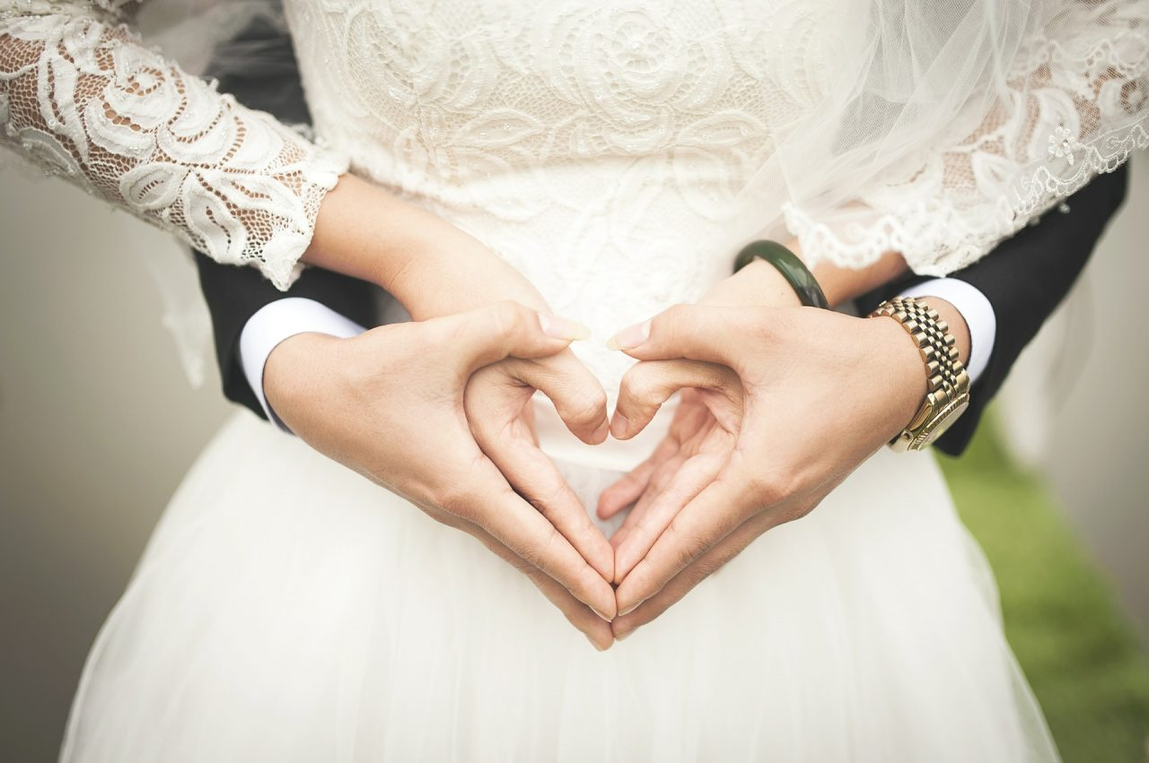 """Τραγούδια γάμου: 10+1 ρομαντικά τραγούδια για τον """"πρώτο σας χορό"""""""