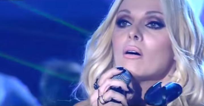 """Πέγκυ Ζήνα: Δείτε τη να τραγουδάει το νέο της κομμάτι """"Μου λείπεις"""" στη σκηνή του X-Factor (βίντεο)"""