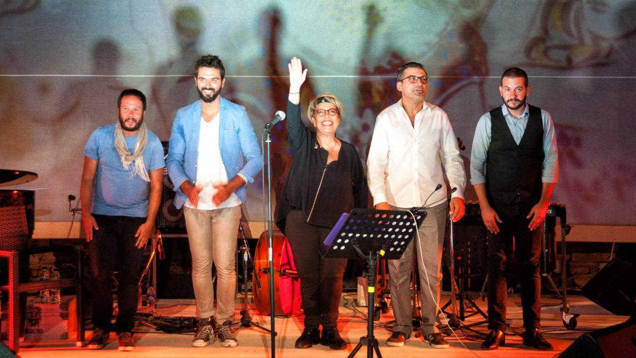 """Δήμητρα Γαλάνη: Με την παράσταση """"Chronos"""" κλείνει η αυλαία του Φεστιβάλ στο θέατρο του Αττικού Άλσους"""