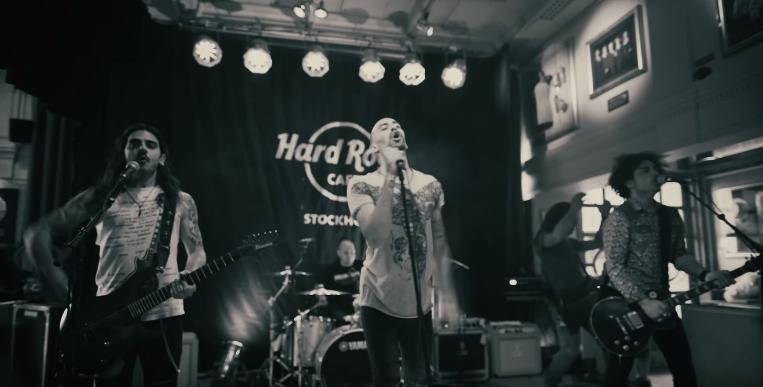 Οι Minus One διασκευάζουν Ed Sheeran - Δείτε το νέο τους βίντεο κλιπ