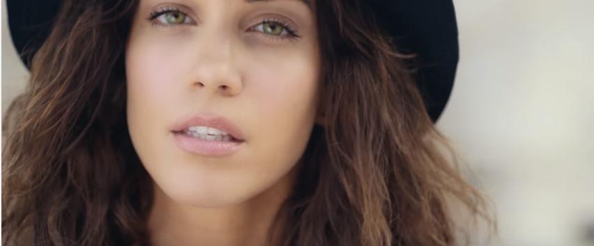 """Δείτε το νέο βίντεο κλιπ της Κατερίνας Στικούφη """"Φυλαχτό"""""""