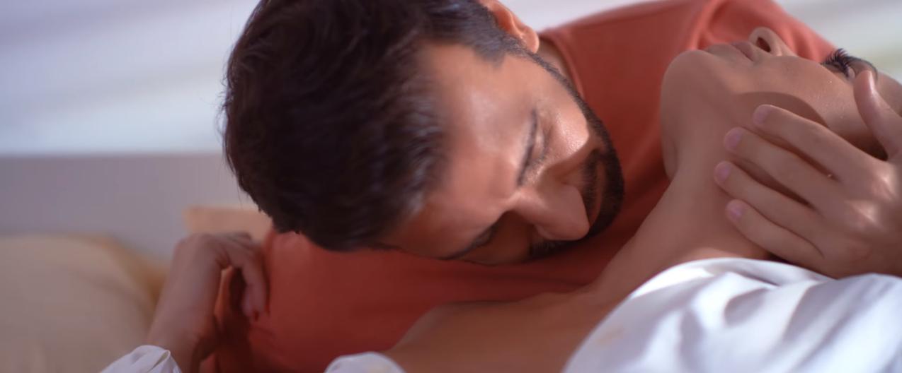 """""""Λόγω τιμής"""" - Δείτε το νέο βίντεο κλιπ του Θάνου Πετρέλη!"""