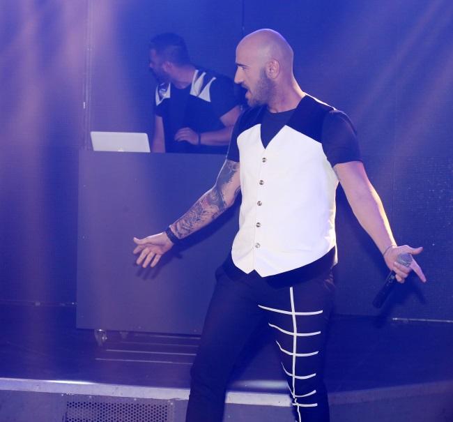 Γιάννης Πλούταρχος - Πέγκυ Ζήνα: Δείτε φωτογραφίες και βίντεο από την πρεμιέρα τους στο Posidonio!