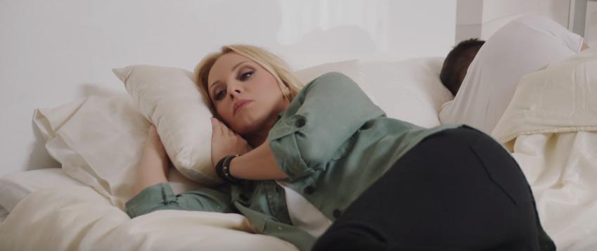 """""""Μου λείπεις"""" - Δείτε το νέο ανατρεπτικό βίντεο κλιπ της Πέγκυς Ζήνα!"""