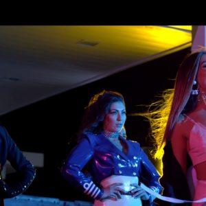 Ελένη Φουρέιρα feat. Mike-Τι κοιτάς