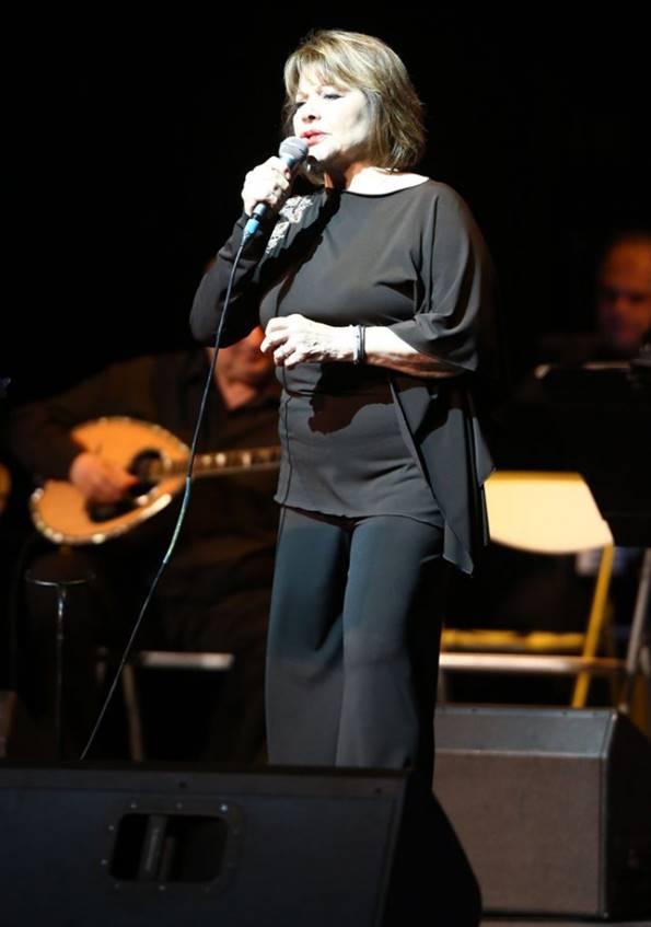 Η συναυλία - αφιέρωμα στη Βίκυ Μοσχολιού στο Παλλάς