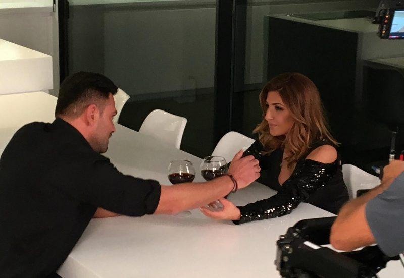 Έλενα Παπαρίζου με νέο τραγούδι