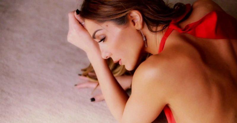 Με ποιο τραγούδι ροκάρει η Δέσποινα Βανδή