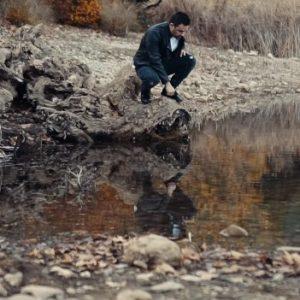 Γιώργος Γιαννιάς - Πάνω στα σύρματα