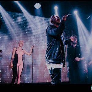 Οι celebrities διασκέδασαν στον Ηλία Βρεττό
